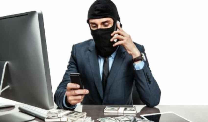 L'ultima truffa che rischia di attivare abbonamenti sulla vostra linea telefonica. Il problema sorge non rispondendo a questi numeri ma richiamandoli